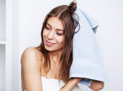 6 Effective Home Remedies to Avoid Hair Fall During Monsoon