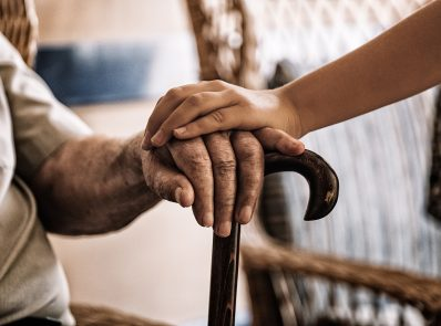 6 Important Tips to Choose the Right Senior Citizen Health Insurance Policy