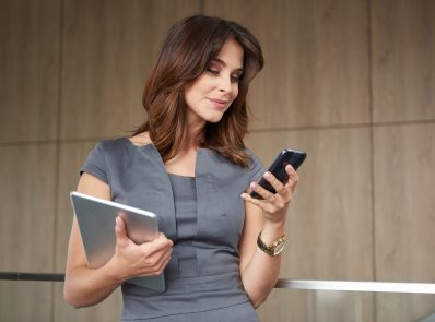 4 Exciting Ways to Use Your Smartphone for Workplace Wellness!